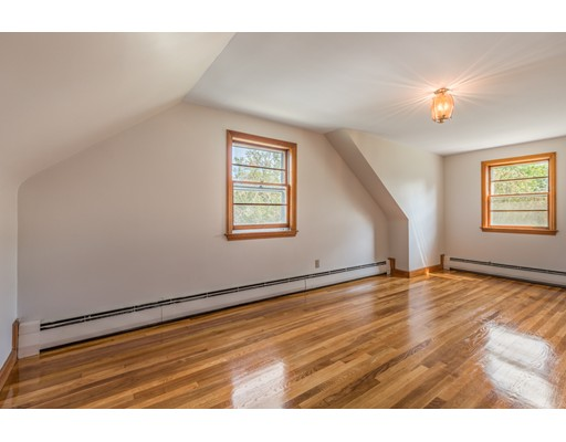 Picture 12 of 36 Redfield Rd  Wakefield Ma 4 Bedroom Single Family