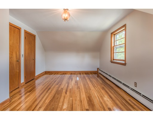 Picture 13 of 36 Redfield Rd  Wakefield Ma 4 Bedroom Single Family