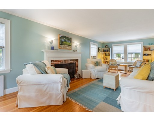 Picture 5 of 4 Robert Rd  Marblehead Ma 4 Bedroom Single Family
