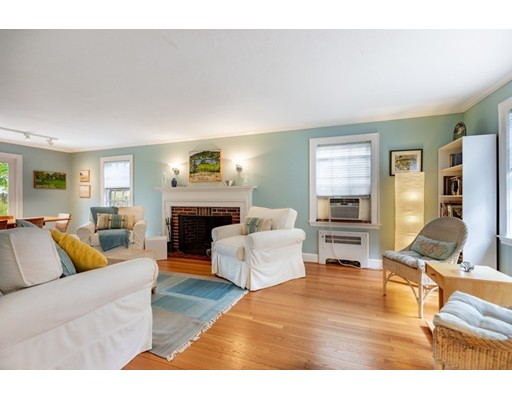 Picture 6 of 4 Robert Rd  Marblehead Ma 4 Bedroom Single Family