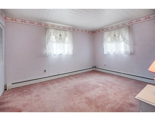 Picture 10 of 10 Trask Rd  Peabody Ma 3 Bedroom Single Family