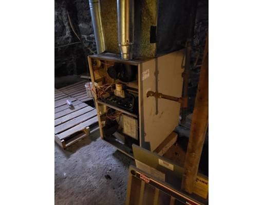 Picture 9 of 23 Warwick  Boston Ma 3 Bedroom Multi-family