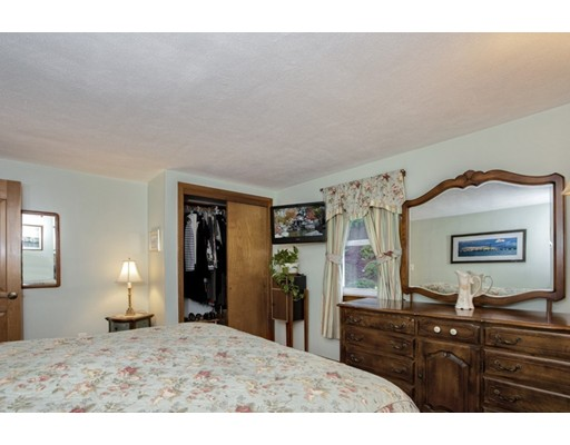 Picture 11 of 8 Earlene Dr  Saugus Ma 3 Bedroom Single Family