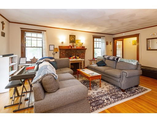 Picture 4 of 36-38 Whittemore Rd  Newton Ma 4 Bedroom Multi-family
