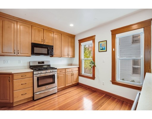 Picture 4 of 1057 Broadway Unit 1 Somerville Ma 3 Bedroom Condo