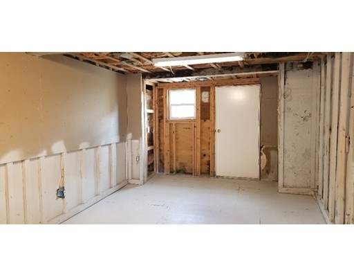 Picture 11 of 71 Huntress St  Quincy Ma 1 Bedroom Single Family
