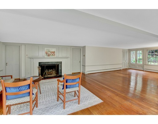 Picture 12 of 49 Crescent St  Weston Ma 5 Bedroom Single Family