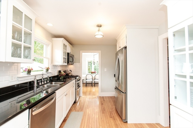 Picture 7 of 277 Weston Rd  Wellesley Ma 3 Bedroom Single Family