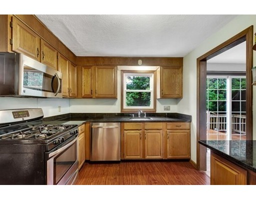 Picture 6 of 21 Grove St Unit 21 Woburn Ma 3 Bedroom Single Family