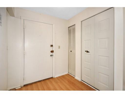 Picture 2 of 12 Pond Ln Unit 24 Arlington Ma 1 Bedroom Condo