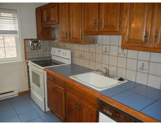 Picture 6 of 12 Colonial Village Dr Unit 7 Arlington Ma 1 Bedroom Condo