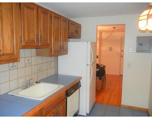 Picture 7 of 12 Colonial Village Dr Unit 7 Arlington Ma 1 Bedroom Condo