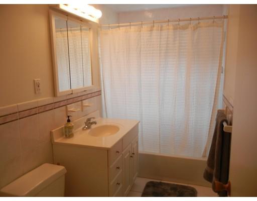Picture 9 of 12 Colonial Village Dr Unit 7 Arlington Ma 1 Bedroom Condo