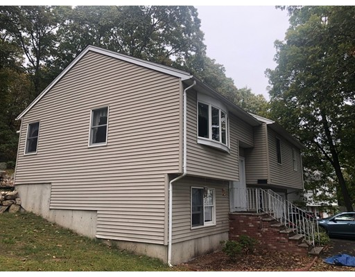 Picture 2 of 17 Rockway Rd  Peabody Ma 4 Bedroom Single Family