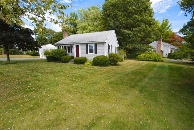 Picture 3 of 1 Point St  Natick Ma 2 Bedroom Single Family
