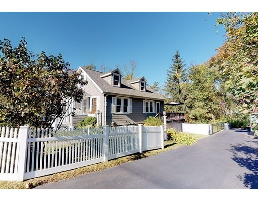 Picture 3 of 593 Hilldale Ave  Haverhill Ma 3 Bedroom Single Family