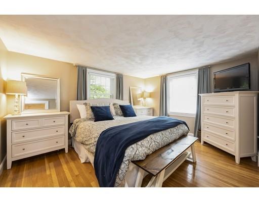 Picture 10 of 148 Lexington St  Newton Ma 3 Bedroom Single Family