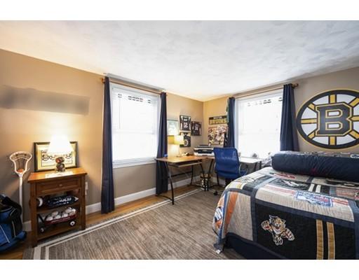 Picture 13 of 148 Lexington St  Newton Ma 3 Bedroom Single Family