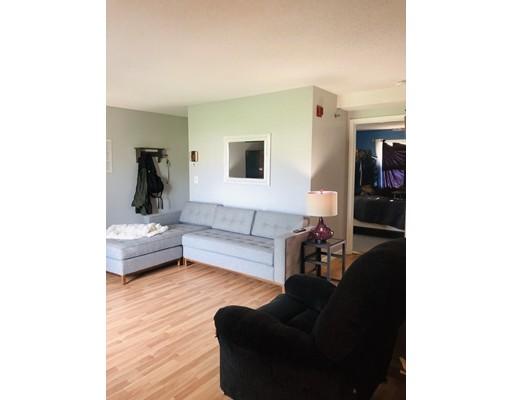 Picture 4 of 94 Tennis Plaza Rd Unit 21 Dracut Ma 2 Bedroom Condo