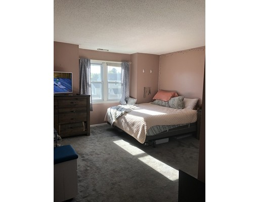 Picture 12 of 94 Tennis Plaza Rd Unit 21 Dracut Ma 2 Bedroom Condo