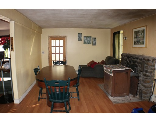 Picture 7 of 185 Hilltop Rd  Dracut Ma 3 Bedroom Single Family