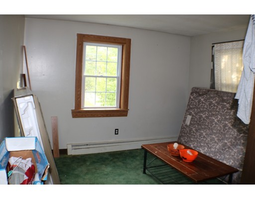 Picture 13 of 185 Hilltop Rd  Dracut Ma 3 Bedroom Single Family