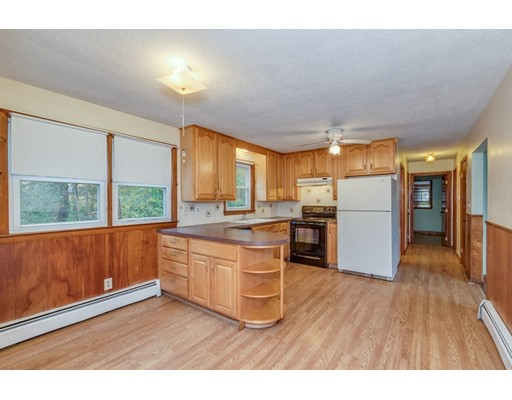 Picture 5 of 63 Cinderella Cir  Dracut Ma 3 Bedroom Single Family