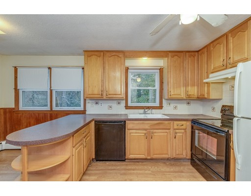 Picture 7 of 63 Cinderella Cir  Dracut Ma 3 Bedroom Single Family
