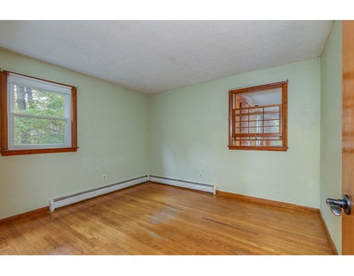 Picture 10 of 63 Cinderella Cir  Dracut Ma 3 Bedroom Single Family