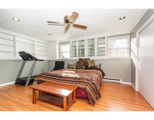 Picture 5 of 99 Valley Rd  Dracut Ma 4 Bedroom Single Family