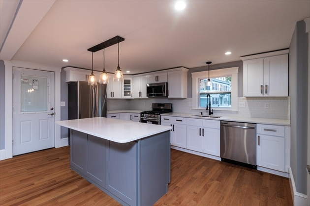 Picture 5 of 12 Stearns Place  Salem Ma 4 Bedroom Single Family