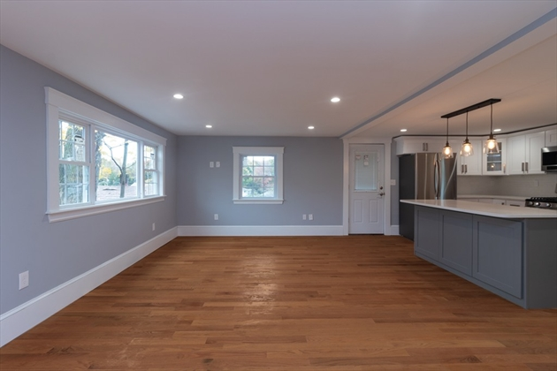 Picture 7 of 12 Stearns Place  Salem Ma 4 Bedroom Single Family