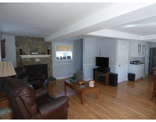 Picture 5 of 51 Peters Pond Rd  Dracut Ma 3 Bedroom Single Family