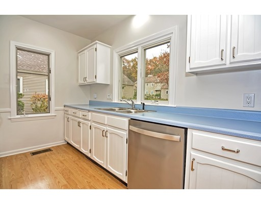 Picture 5 of 7 Essex Unit 7 Wayland Ma 2 Bedroom Condo