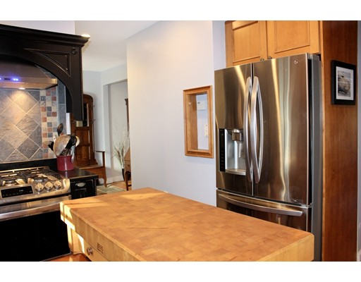 Picture 3 of 1 Knollwood Lane  Wayland Ma 4 Bedroom Single Family