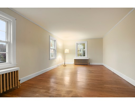 Picture 12 of 302 School St  Belmont Ma 3 Bedroom Single Family