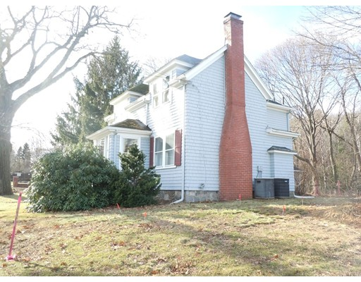 Picture 4 of 186 Pond St  Winchester Ma 3 Bedroom Single Family
