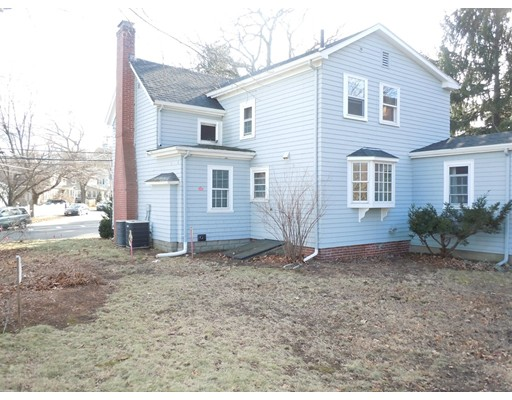 Picture 6 of 186 Pond St  Winchester Ma 3 Bedroom Single Family