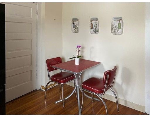 Picture 10 of 165 Walnut St Unit 2 Somerville Ma 2 Bedroom Condo