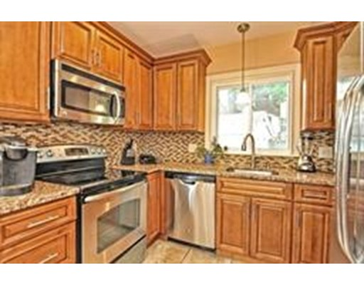Picture 3 of 1 Pelican Rd  Quincy Ma 3 Bedroom Single Family