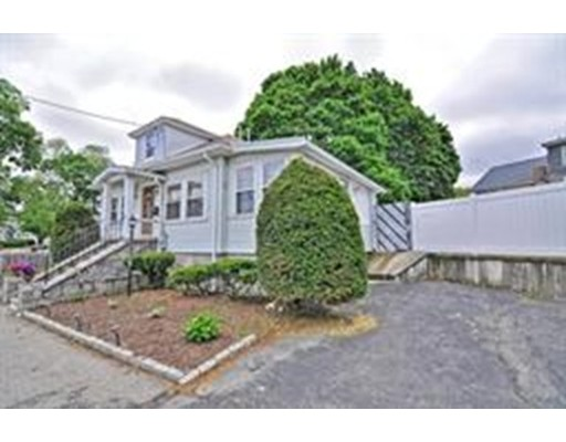Picture 4 of 1 Pelican Rd  Quincy Ma 3 Bedroom Single Family