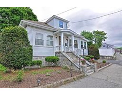 Picture 5 of 1 Pelican Rd  Quincy Ma 3 Bedroom Single Family