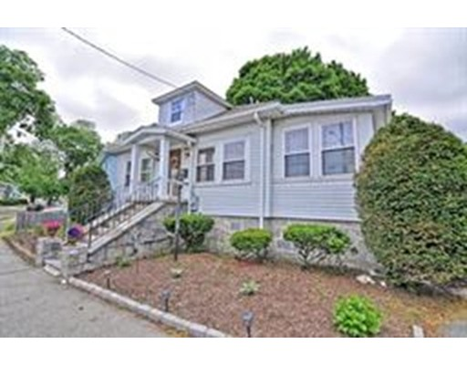 Picture 6 of 1 Pelican Rd  Quincy Ma 3 Bedroom Single Family