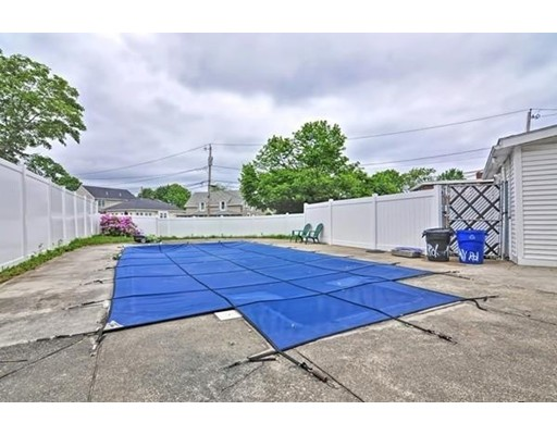 Picture 8 of 1 Pelican Rd  Quincy Ma 3 Bedroom Single Family