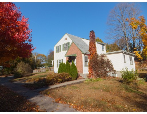 Picture 2 of 1122 Furnace Brook Pkwy  Quincy Ma 4 Bedroom Single Family