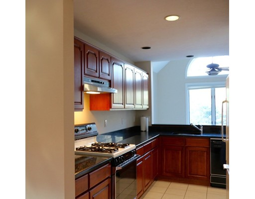 Picture 5 of 7 Wainwright Rd Unit 93 Winchester Ma 3 Bedroom Condo