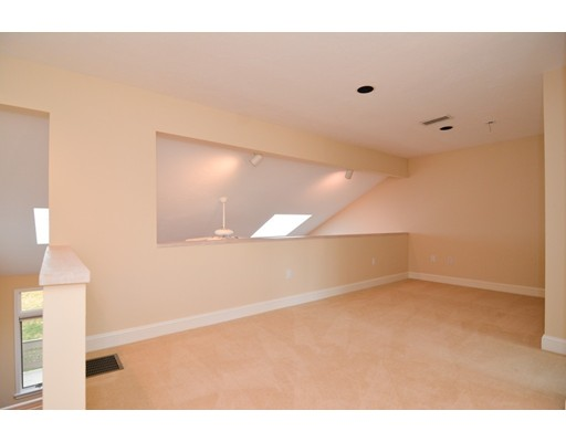 Picture 12 of 7 Wainwright Rd Unit 93 Winchester Ma 3 Bedroom Condo