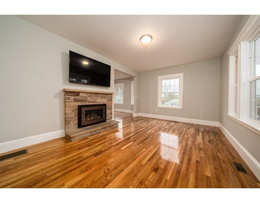 Picture 9 of 237 Franklin St  Quincy Ma 4 Bedroom Single Family