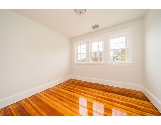 Picture 13 of 237 Franklin St  Quincy Ma 4 Bedroom Single Family
