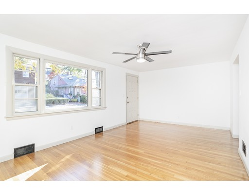 Picture 4 of 22 Charles St  Salem Ma 2 Bedroom Single Family